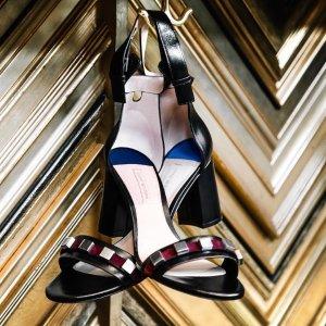 收封面新款一字带METEORITES凉鞋Stuart Weitzman 18年秋季新款美鞋上线