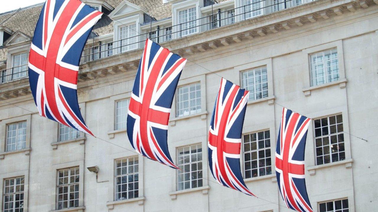 手把手教你在加拿大怎么申请英国签证?(附填表指南)