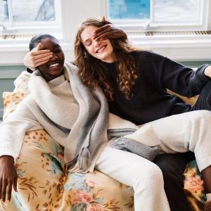 低至4折+满£60减£10 £9起就收上新:Uniqlo 毛衣针织专区 慵懒高级美 秋冬室内最温柔的一抹暖色