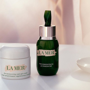Receive $160 giftswith any $150 purchase @ La Mer