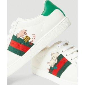 €490(国内价¥6100)免邮Gucci 2020新款小白鞋变相6.4折 小猪和猫咪两边图案不同