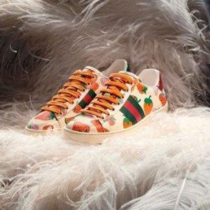 精选8折 小白鞋数量不多 拼手速Gucci 双G相机包、经典小白鞋热卖