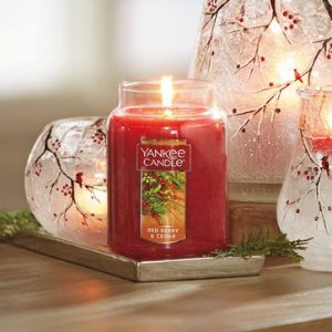Buy 1 Get 2 FreeMedium Classic Jar Candle @ Yankee Candle