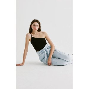 Kendall & KylieOne Shoulder 吊带上衣
