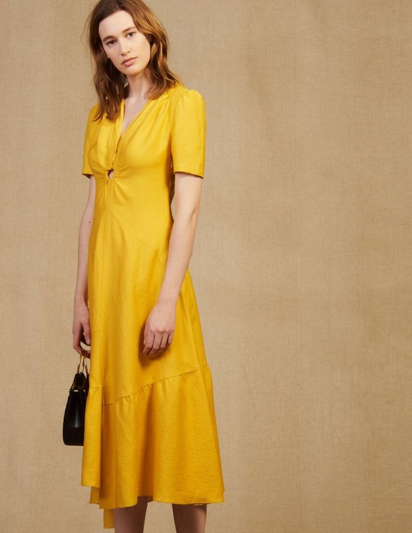 黄色连衣裙