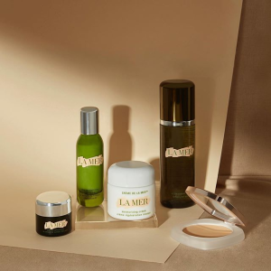 Choose 3 deluxe miniscompliments of La Mer, with your $150+ purchase @ La Mer