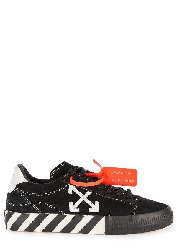 箭头运动鞋