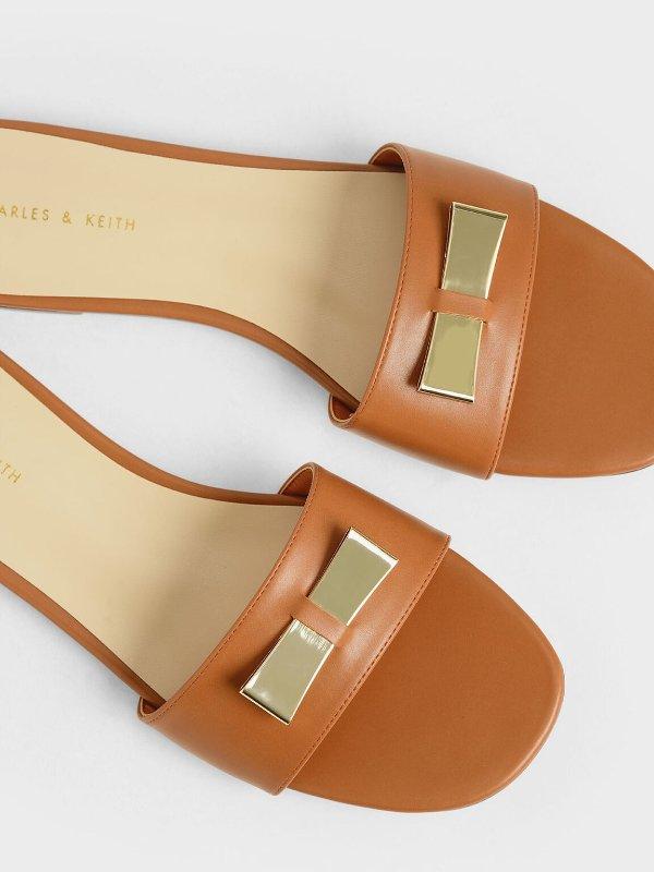 金属蝴蝶结凉鞋