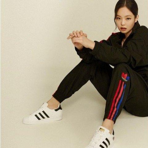 6.9折起 £34收封面Jennie同款adidas 50周年新Logo三叶草专区大促 超多新款参与