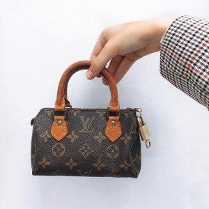 低至8.5折 €695收Chanel项链