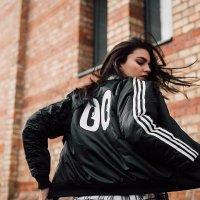 Adidas 女款夹克