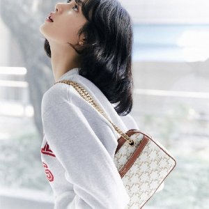 Classic Box孔雀蓝$3950Celine 新品手袋热卖 封面lisa同款白色老花现货$2200