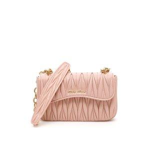 Miu Miu粉色链条包