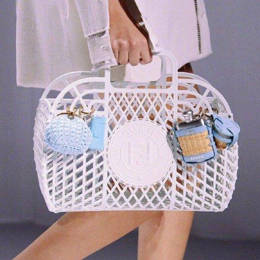 FENDI 2021春夏新款包袋曝光FENDI 2021春夏新款包袋曝光