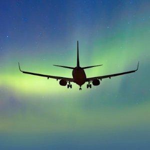 低至$322 观看极光最佳时期北美多城市至冰岛往返直飞机票超低价