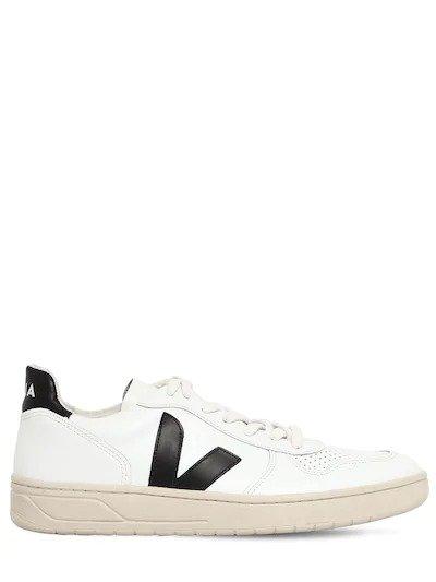 V-10 小白鞋