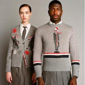 3折起 经典款T恤£235Thom Browne 美式学院风折扣入 收开衫、衬衣、外套等