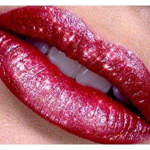 收超可爱爱心限定口红上新:Selfridges 独家彩妆护肤香氛来袭,YSL、Dior、Jo malone 限定款等你来收