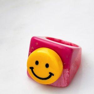 低至2.5折 €29收封面笑脸戒指UO ins风配饰专场 今年超火树脂戒指这里有