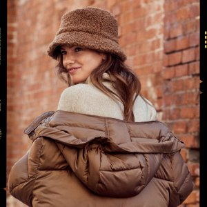 $20+收大热法棍包H&M 秋冬怎么穿 3招时尚又实用
