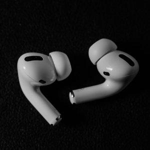 史低价€189.95 原价€279闪购:AirPods Pro耳机 全网最低价回归 还世界一片安静