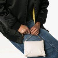 Nanushka 方块手拿包