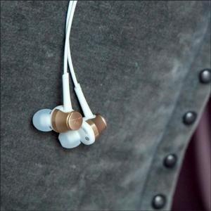 $39 黑白两色可选独家:铁三角 ATH-CKR70iSBK Hi-res 耳机 带线控麦克风