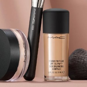 满额送自选好礼(价值高达$43)MAC 高级质感底妆 收油皮官配粉底液 打造绒绒奶油肌