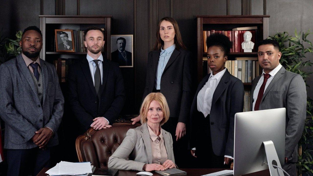 在加拿大如何请律师?常见律师种类科普+找律师指南