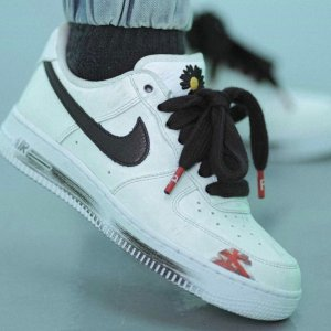 "预计11月发售权志龙 X Nike Air Force 1 ""Para-Noise 2.0"" 配色曝光"
