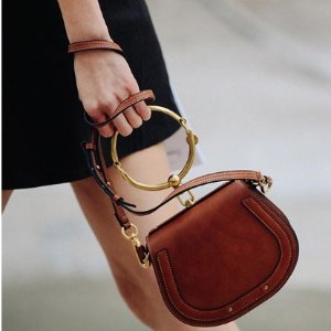 低至5折Chloe 精选美包、鞋履热卖 收花瓣鞋