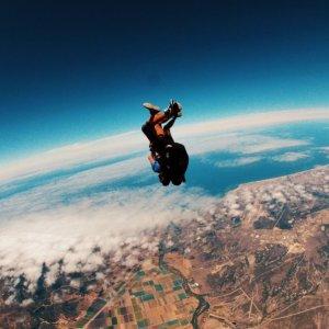 $199(原价$299) 明年8月前都有效大瀑布跳伞体验 圣诞送一份大惊喜给TA 可单飞可带飞