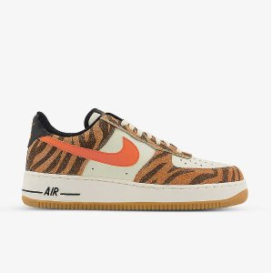 Nike仅剩一双uk8Air Force 1 '07 橙色豹纹