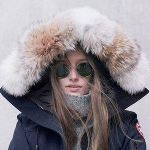 低至5折!长款Mystique Parka£697、黑标款罕见参加~上新:Canada Goose美衣大促 近期好价~ 过年更要暖暖鸭!