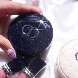$68(国内售价¥580)上新:Dior 迪奥亮面皮革气垫 24h自然无瑕底妆 质感绝了