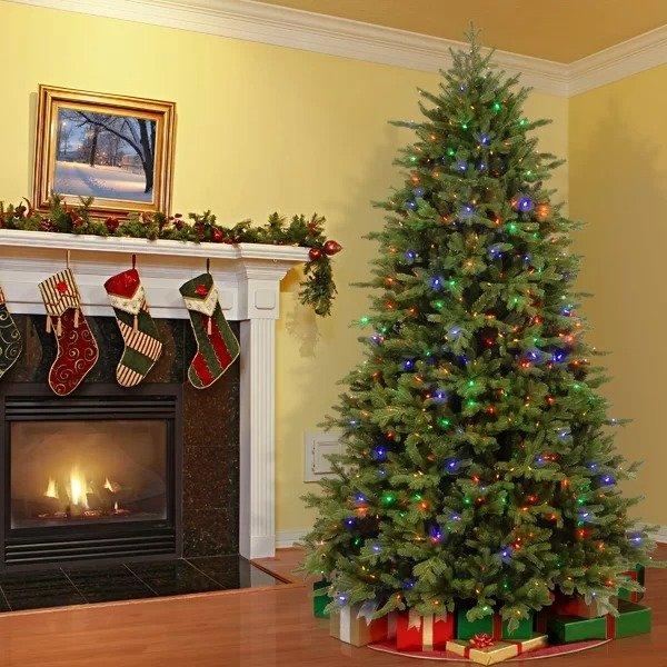 "Three Posts™ 7.8"" 圣诞树 带灯"