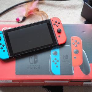 只要€305 收经典红蓝Nintendo Switch 全网断货一机难求 新人立减€15