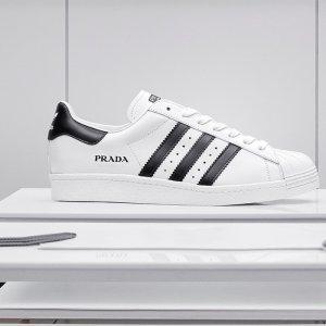 售价$695 三色可选预告:Adidas x Prada 联名贝壳鞋现已开启抽签