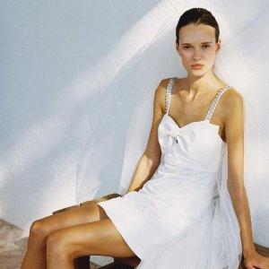 低至4折 蕾丝裙$356Self-protrait 海量仙女连衣裙热促 上衣$195 半身裙$201