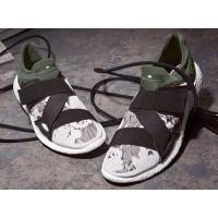 Adidas by Stella McCartney 合作款运动鞋热卖
