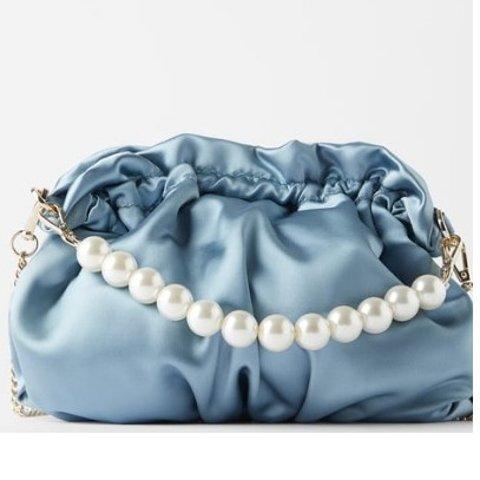 封面网红珍珠包€39.95ZARA 早春美炸天包包来袭 丝绸珍珠小雏菊等你来Pick