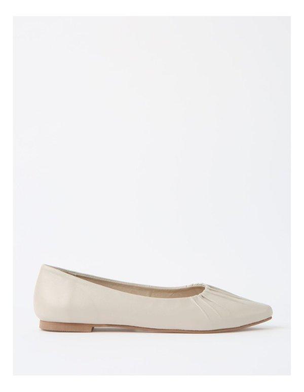 Cherrie Beige平底鞋