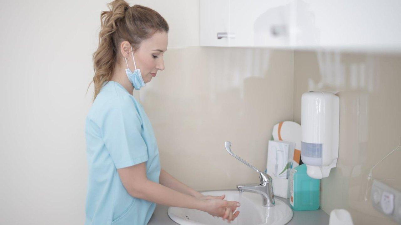 在加拿大怎么考护士证?护士年薪多少?一帖看懂NP、RN、PN的区别
