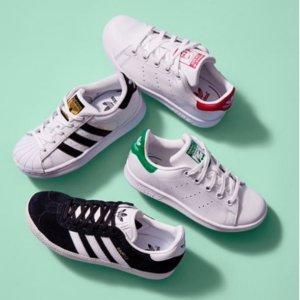 Nike、Adidas、New Balance 等儿童运动鞋特卖