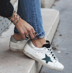 Up to 25% OffWomen's Golden Goose Superstar Sneakers @ Italist
