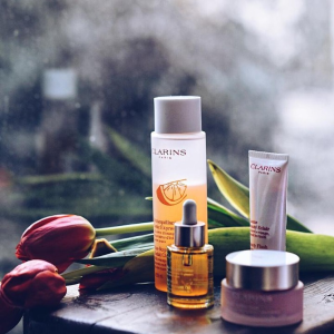 4-pc gift ($66 value)with purchase of $50 @ Clarins