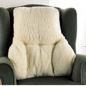 仅需£13 今冬舒适到家毛绒绒的背部靠垫 触感柔软 腰部颈部舒适暖和