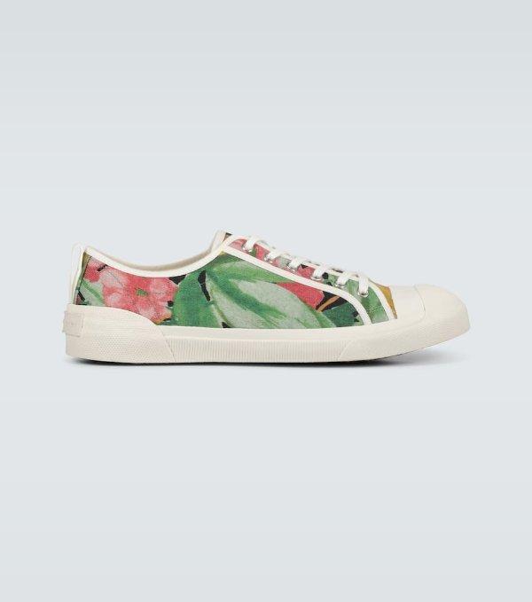 印花运动鞋