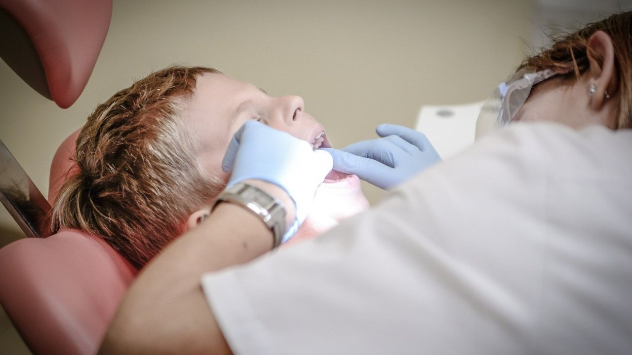 纽约华人牙科推荐!洗牙,补牙,植牙,拔智齿,美白,矫正去哪看?收藏这一篇全了解!