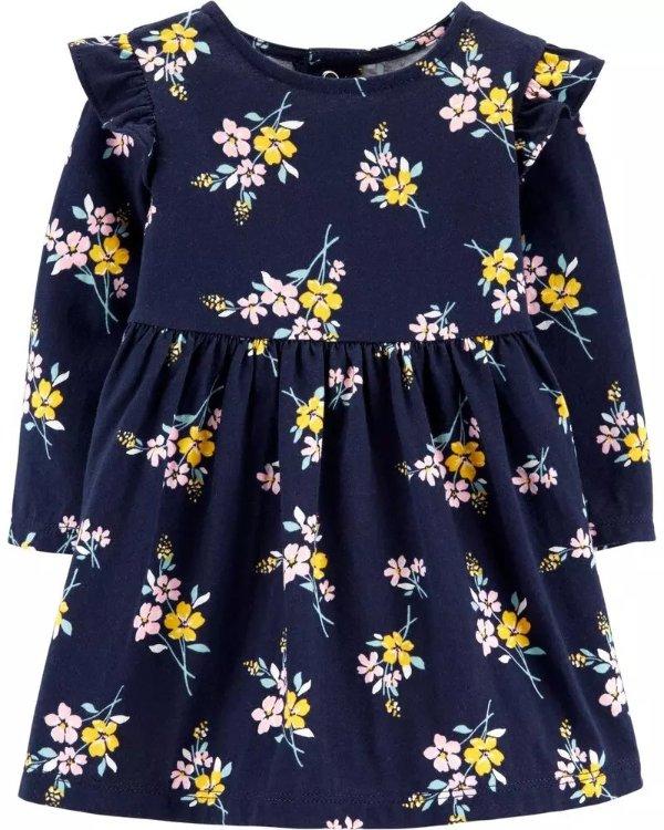 婴儿花朵连衣裙